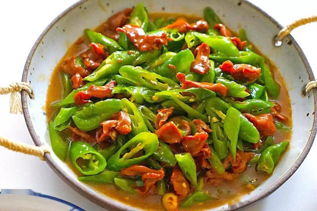 香辣下饭家常菜,鸡胗炒辣椒、芹菜炒鸡胗……