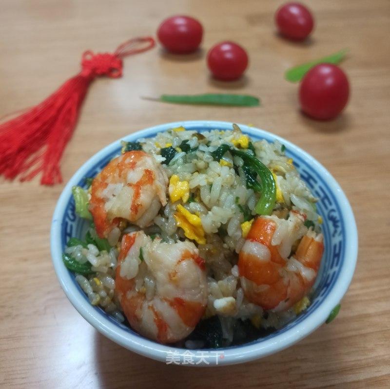 自创菠菜虾仁蛋炒饭的做法